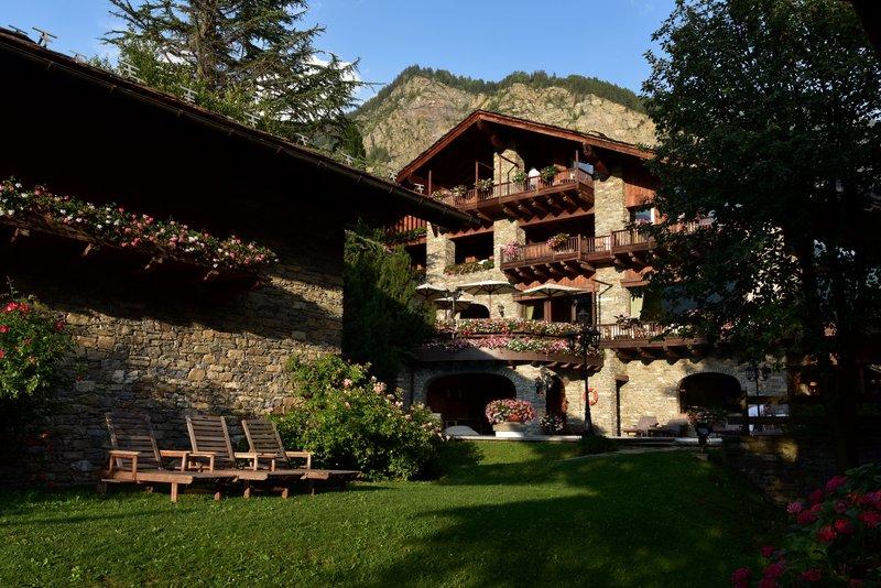 Mont Blanc VillageExterior