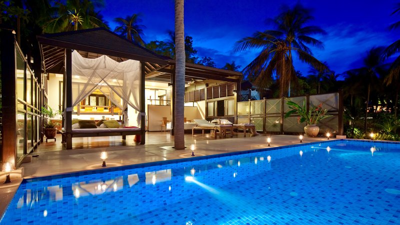 Seafront Pool Villa Night