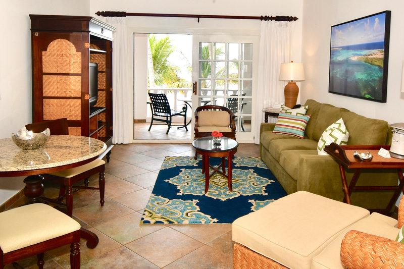 Beachfront Suite living area