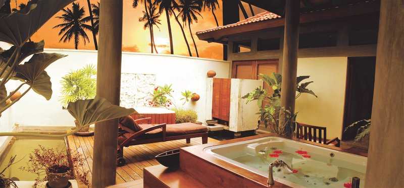 Serenity Spa Outdoor Jacuzzi