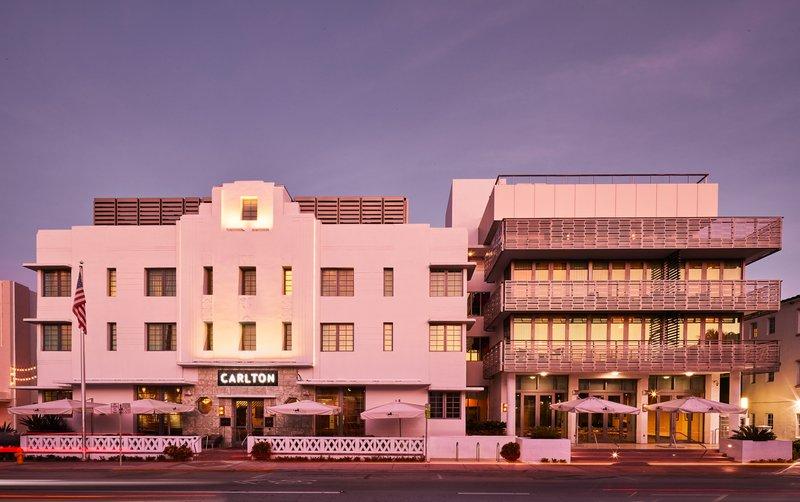 Art Deco Wing Facade