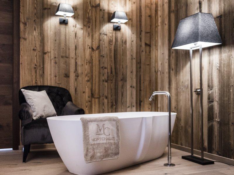Gold Suite- Freestanding Bathtub