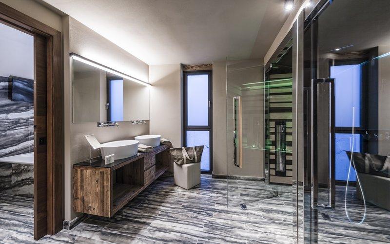Bathroom Vip Suite