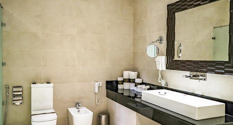 Signature Premium Suite Bathroom