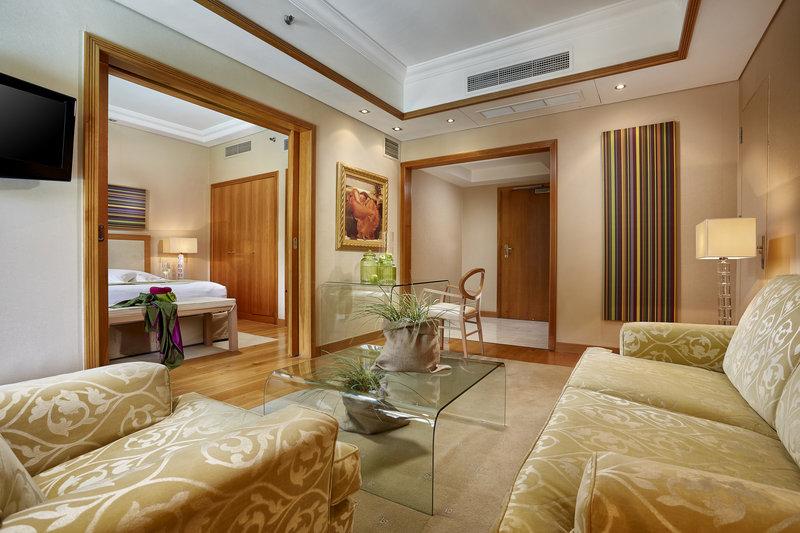 Executive Park Suite
