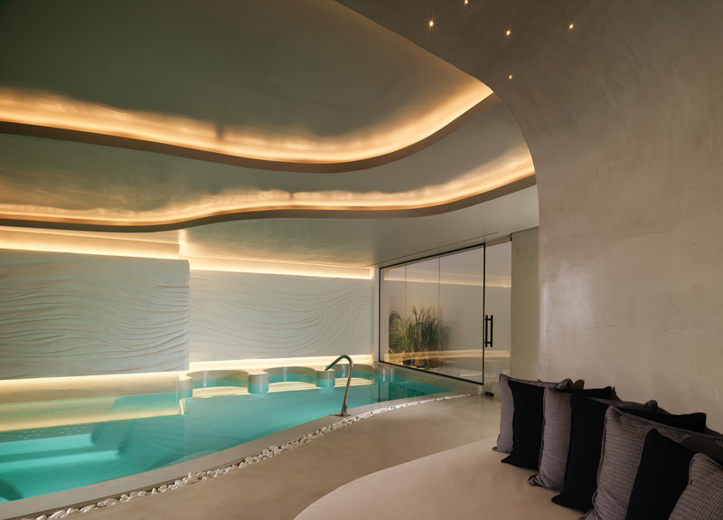 Oqua Spa Thalassotherapy Pool