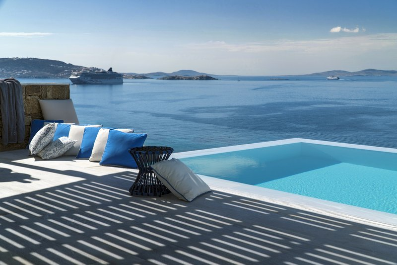 Signature Suite Terrace with Breathtaking Views