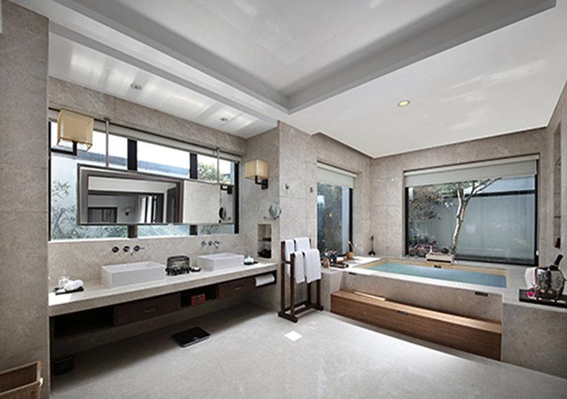 Cloud Gate Villa Bathroom