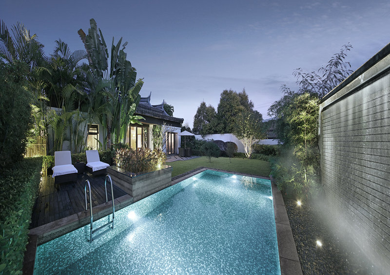 Cloud Gate Villa With Swimming Pool