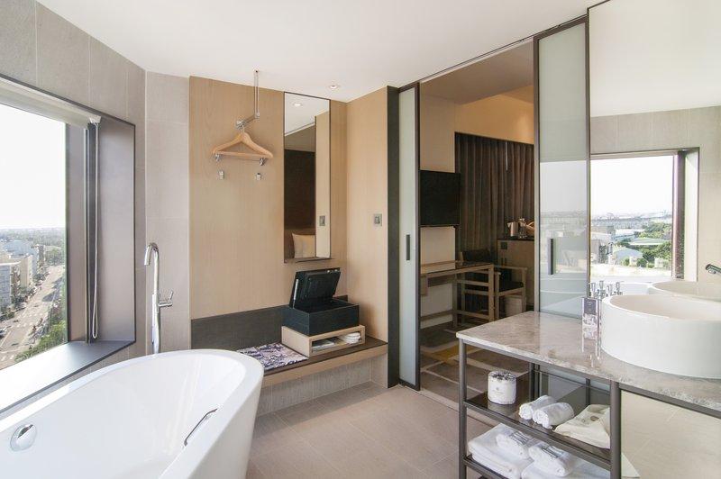 Union Suite King Bathroom