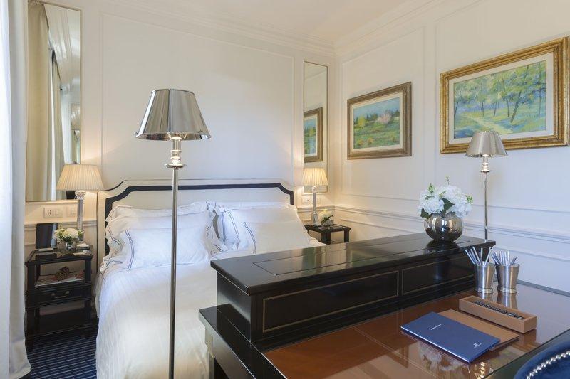 Relaxing Room bedroom