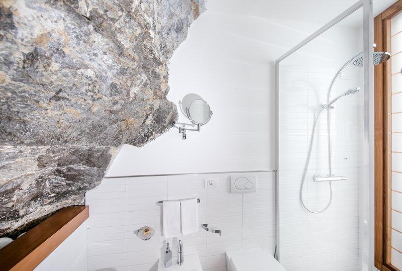 Eaudesea Bathroom