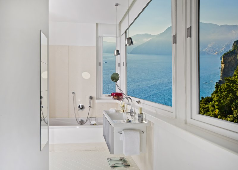Canopy Room Bathroom