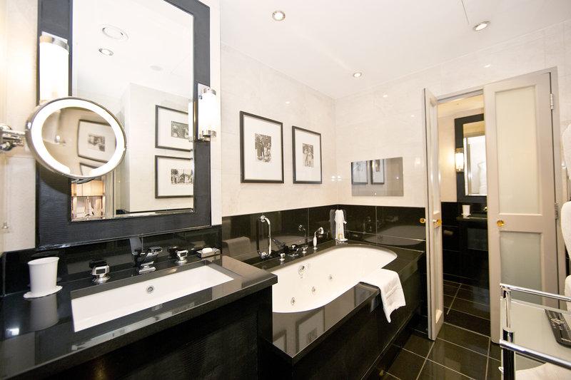 Bathroom St. James's Suite