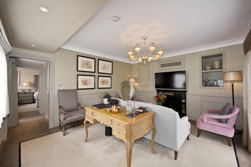 Living Room - Terrace Suite