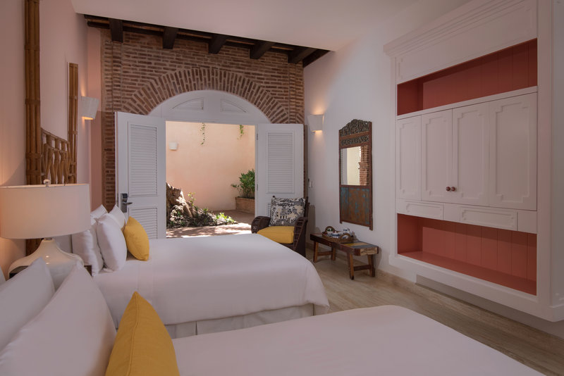 Luxury Two Queens Room Antillana