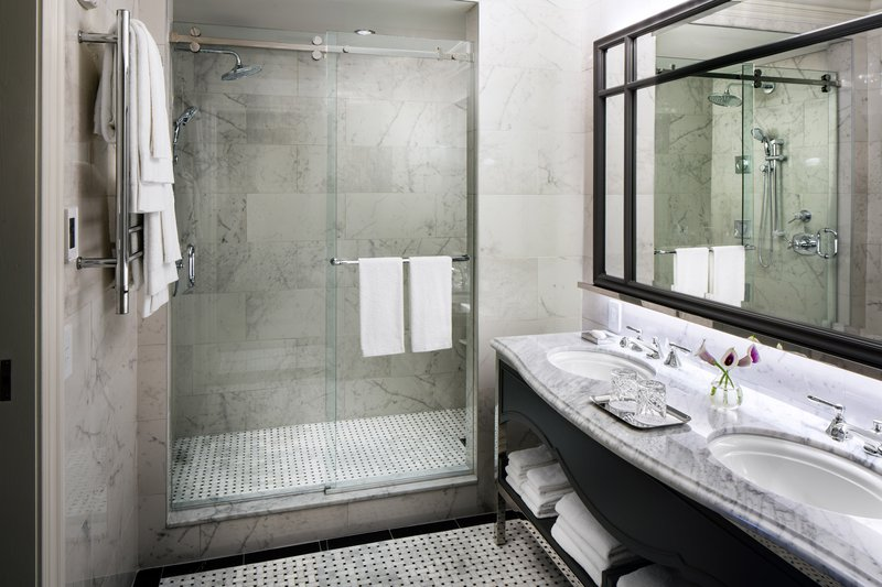 Premier King Bathroom