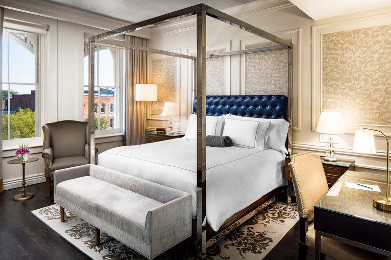 Bedroom Premier Broadway King