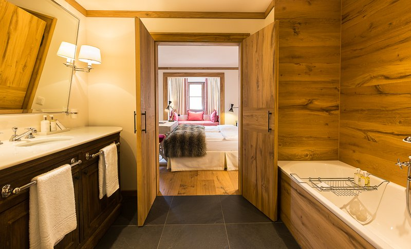 Alpin Deluxe Bathroom