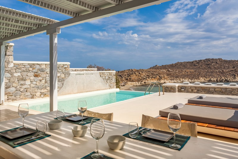 Royal Beachfront Infinity Pool Villa