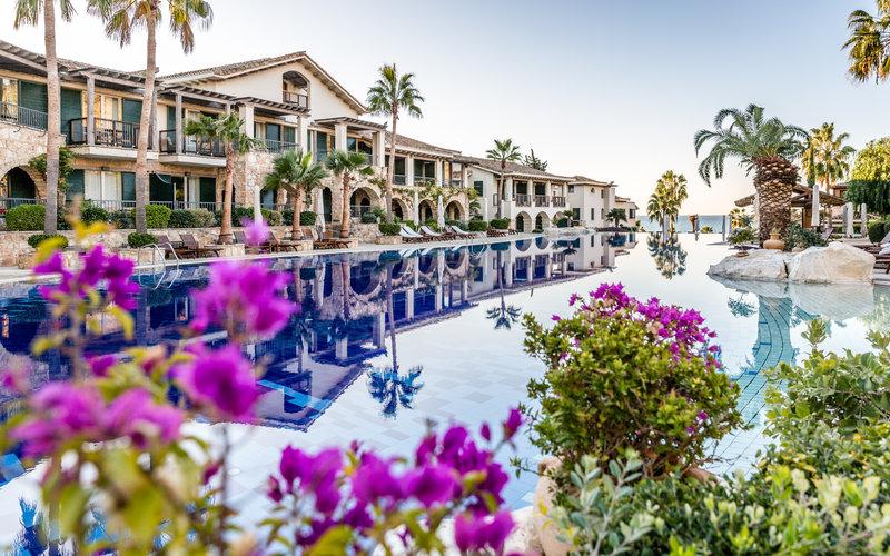 Resort West Poolside Morning