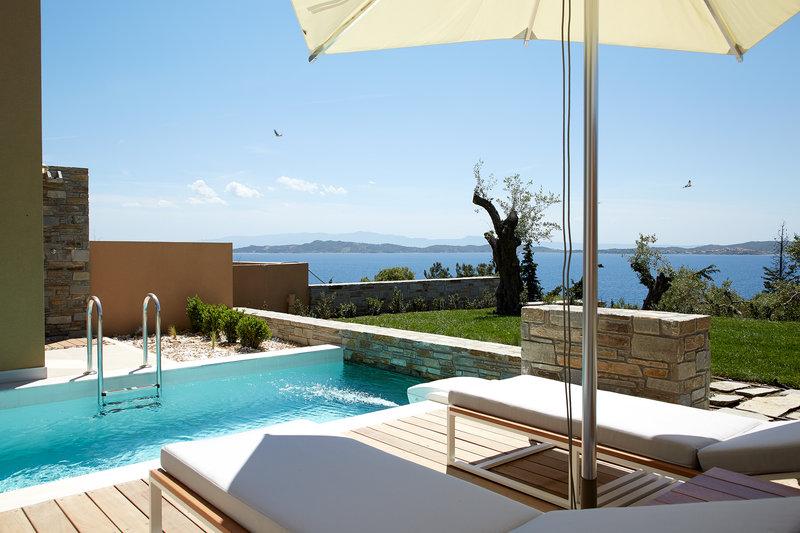 Junior Pool Villa with private garden