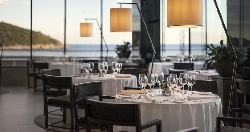 Fine Dining Restaurant Sensus