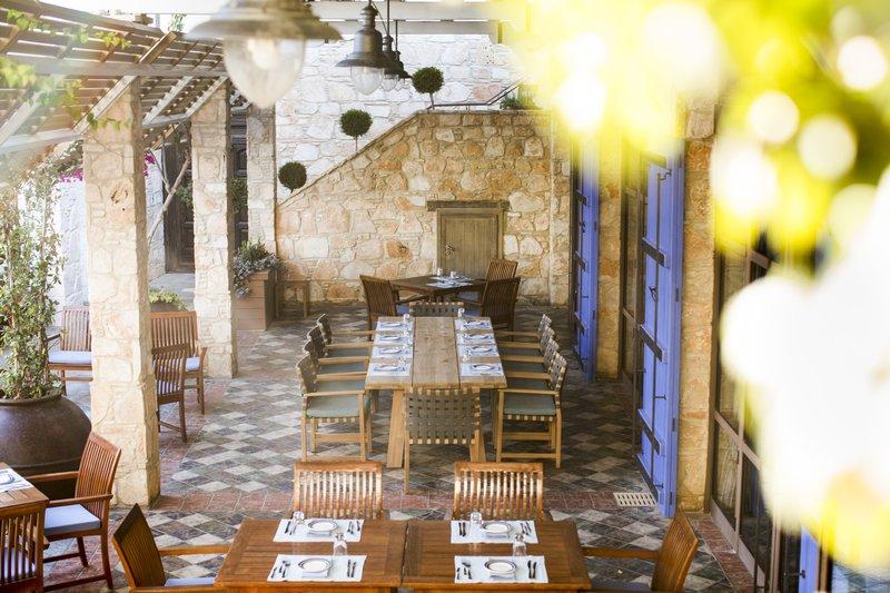 Apollo Tavern Pergola