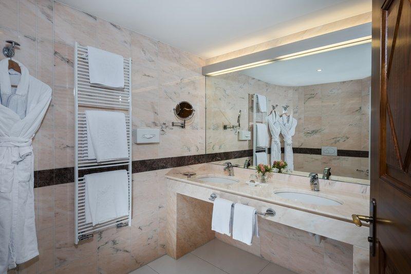 Style Double Room Bathroom