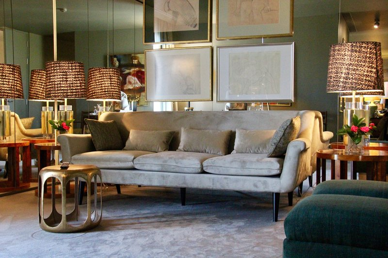 Suite Deluxe saloon area