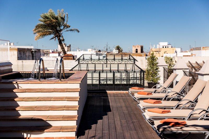 Rooftop Terrace & Solarium