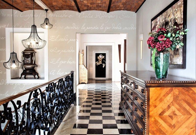 Seccond Floor Corridor