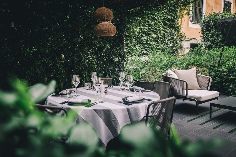Al fresco dining at Quadrat Restaurant and Garden