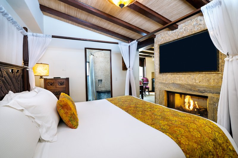 Pantai Suites 1 Bedroom Partial Ocean View