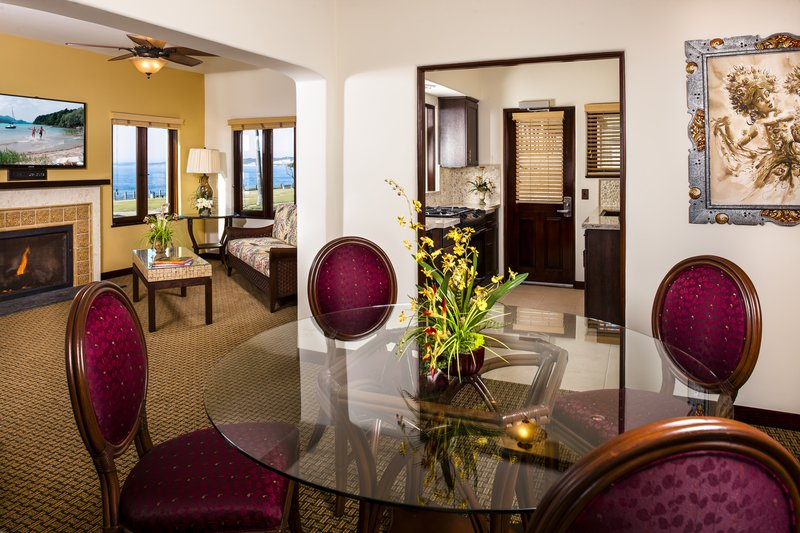 Pantai Suites 2 Bedroom Ocean View Living Dining