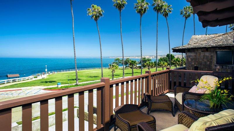 Pantai Suites 1 Bedroom Ocean View Premium Deck
