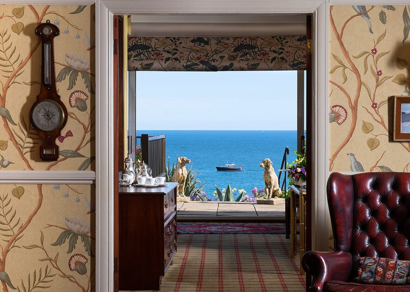 Sea Views from the Moment You Enter