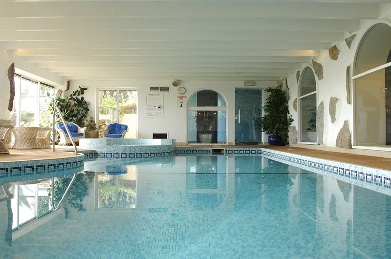 Warm Indoor Pool with Gym, Sauna & Steam Room