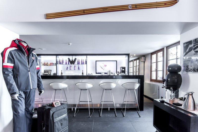 Skiroom bar
