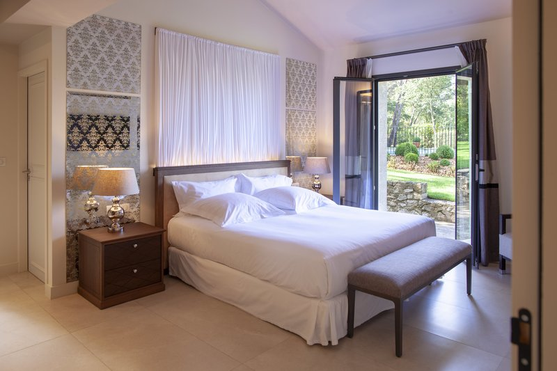 Villa Valrugues bedroom