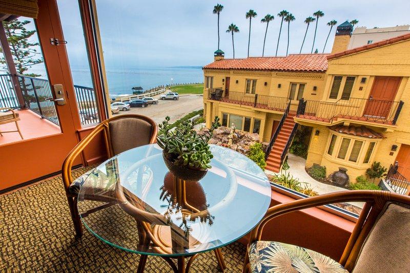 Pantai Suites One Bedroom Ocean View