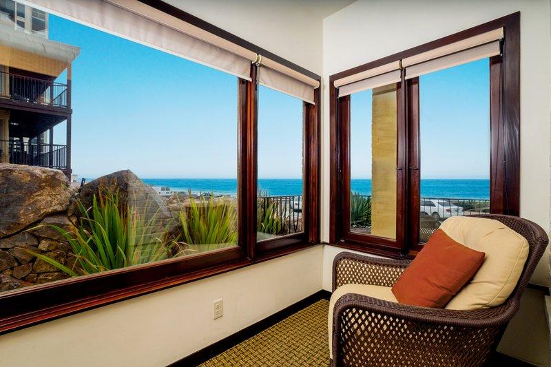 Pantai Suites 2 Bedroom Ocean View