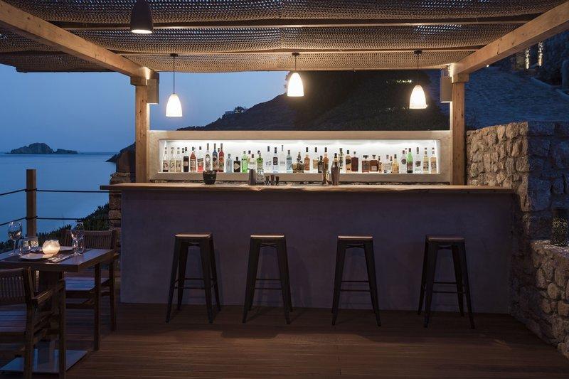 Del Mar Bar Restaurant