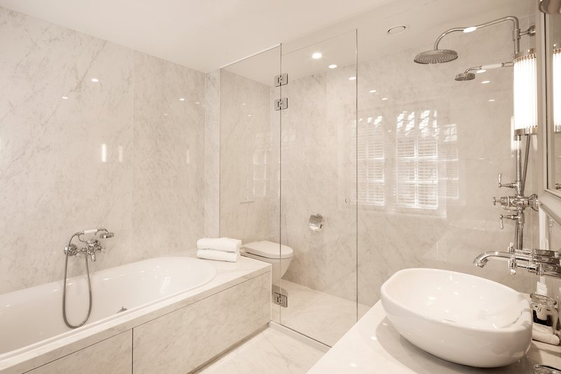 Bathroom Royal Executive Canal View