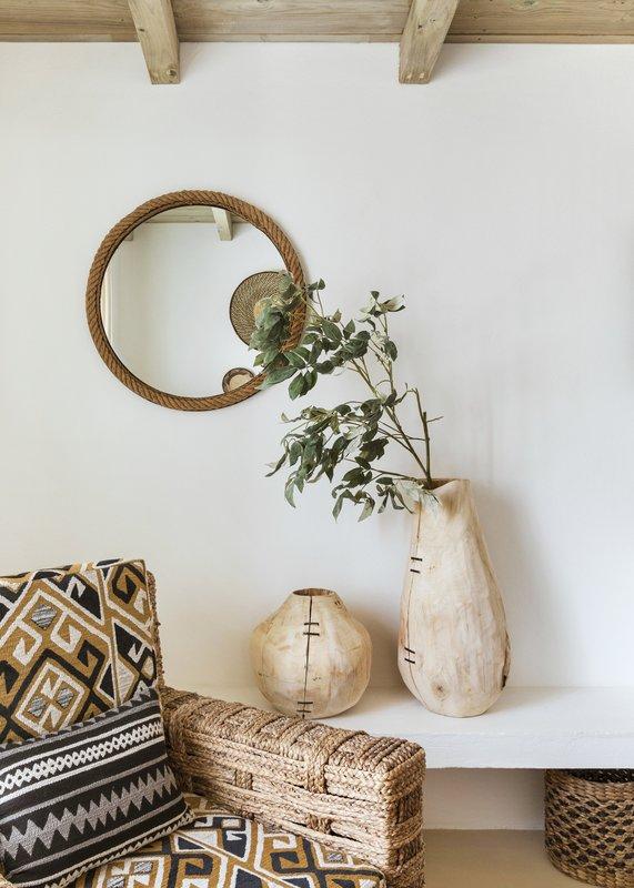 QDCDuplex Suite Living Room Details