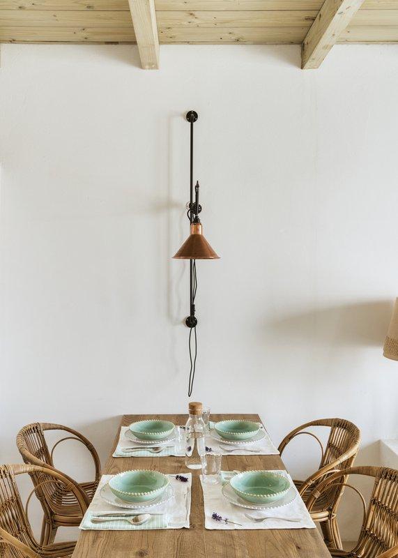 QDCDuplex Suite Dining Room Details