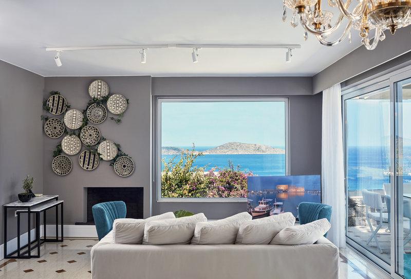 Mediterranean Pool Villa