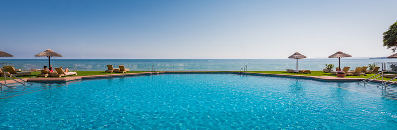 Panoramic sea views from the pool