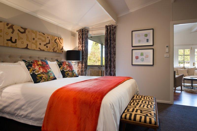 Room Dudley Suite Bedroom