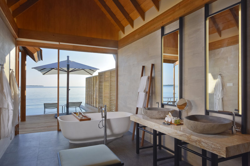 Ocean Retreat with bath